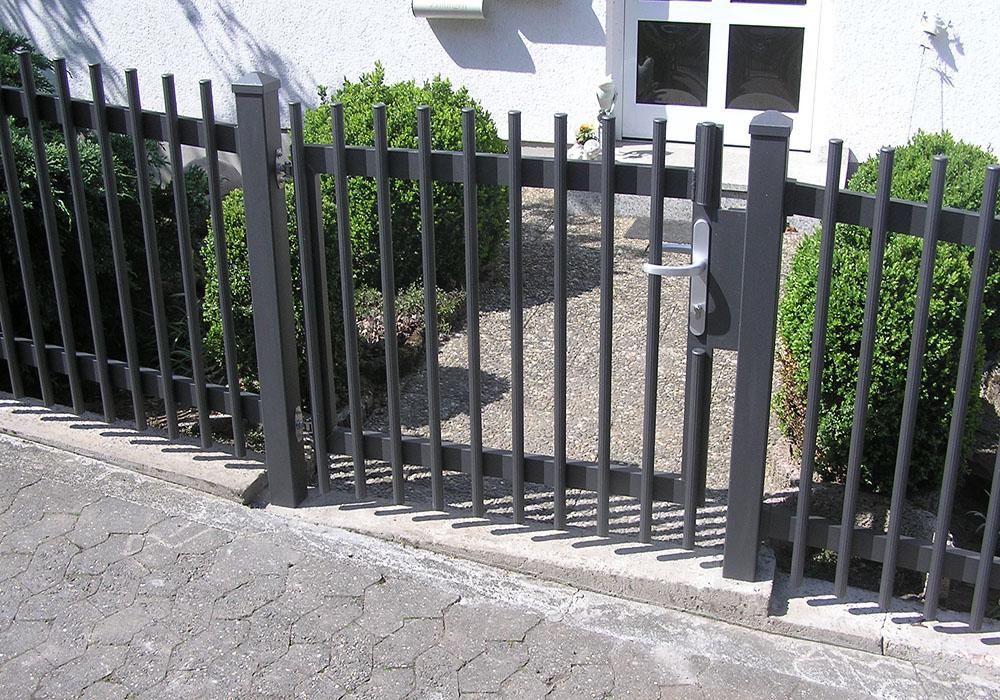Neue Metall Gartentür
